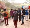 화순군선관위, 국화향연축제장서 공명선거 캠페인